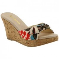 Get Your Wedge on This Spring