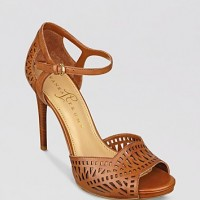 Ivanka_Trump_Ankle_Strap_Pumps_Ariell