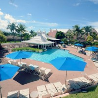 comfort suites paradise island review