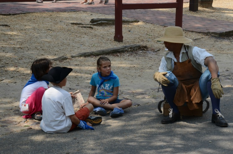 kids in colonial williamsburg