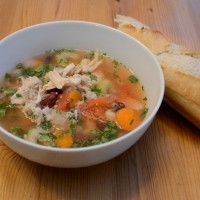 slow cooker chicken soup| easy and healthy